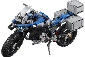 最強バイクと名高いBMWのR1200GSのレゴキット!:Lego Technic 42063 BMW R 1200 GS Adventure - Lego Speed Build